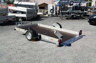 Remorque Humbaur HKT 4095 qui se pose au sol