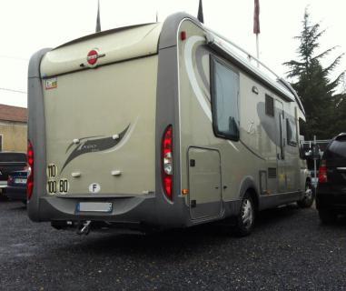 ATTELAGE Camping Car BURSTNER IXEO