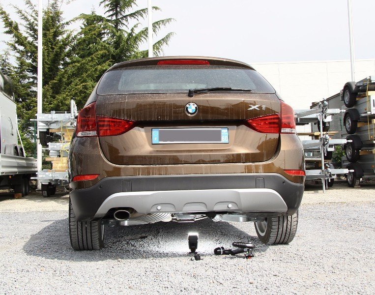attache remorque bmw x1 id e d 39 image de voiture. Black Bedroom Furniture Sets. Home Design Ideas