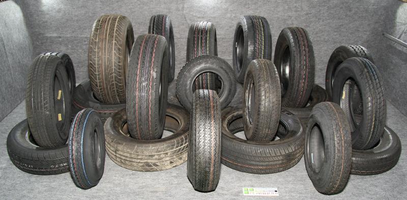 pneus de remorques pneus de remorques pneu de remorque patrick remorques. Black Bedroom Furniture Sets. Home Design Ideas